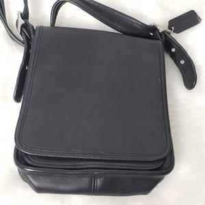 Vintage Coach Purse Black Leather Crossbody 8x7